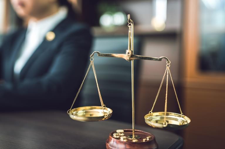 弁護士特約について